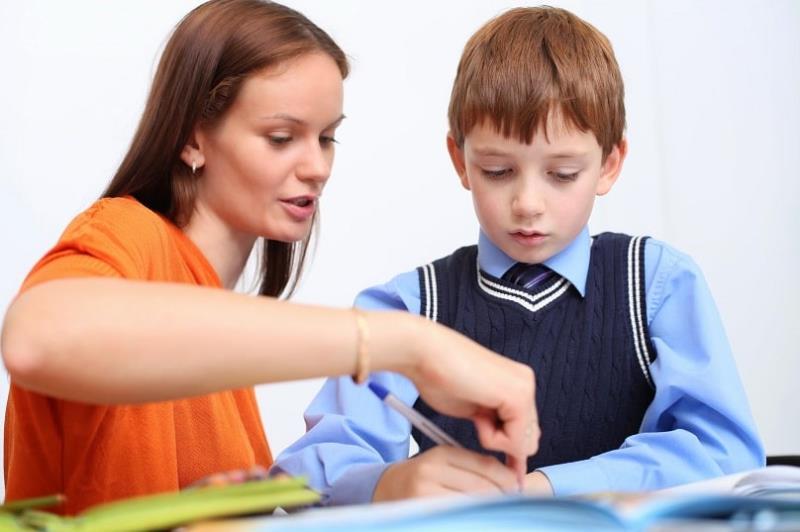 Tìm gia sư lớp 1 là giáo viên hay sinh viên?