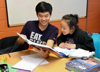 Gia sư có nên giao nhiều bài tập cho học sinh không?