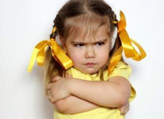 Mách phụ huynh cách dạy trẻ bướng bỉnh hiệu quả nhất